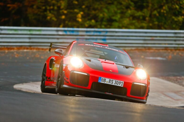 Porsche 911 GT2 RS MR is the fastest road-legal sports car ever at the Ring
